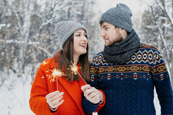Men may have a harder time being single during the holidays than women