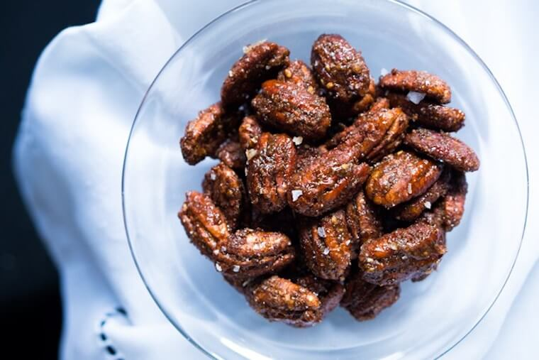 Ketogenic candied pecans recipe
