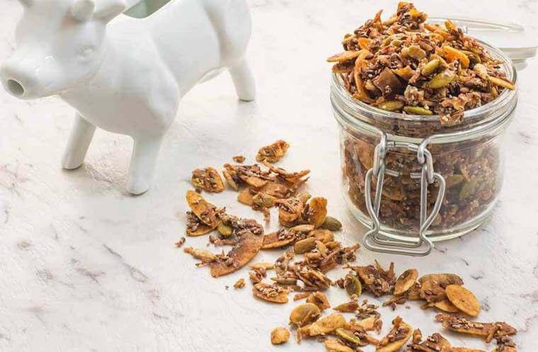Ketogenic granola recipe