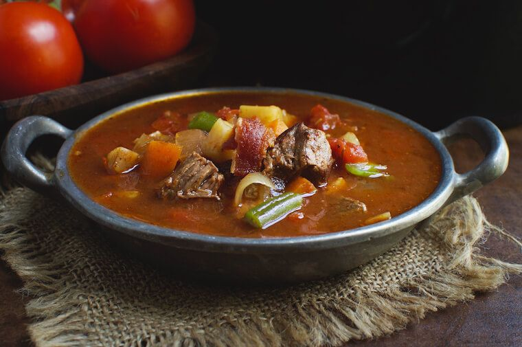 Ketogenic vegetable beef soup