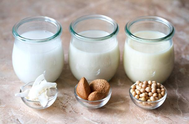 The Essential Guide to Choosing a Non-Dairy Milk