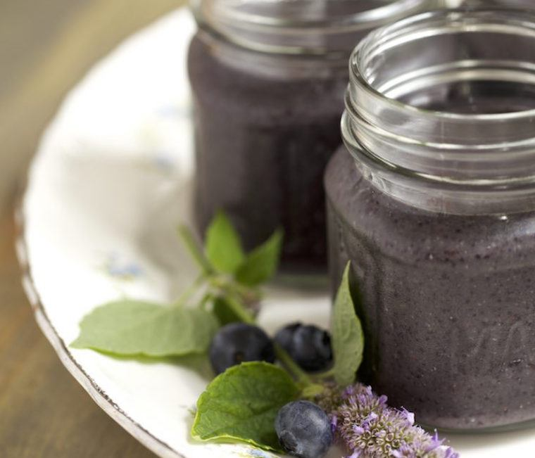 Candice Kumai blueberry smoothie