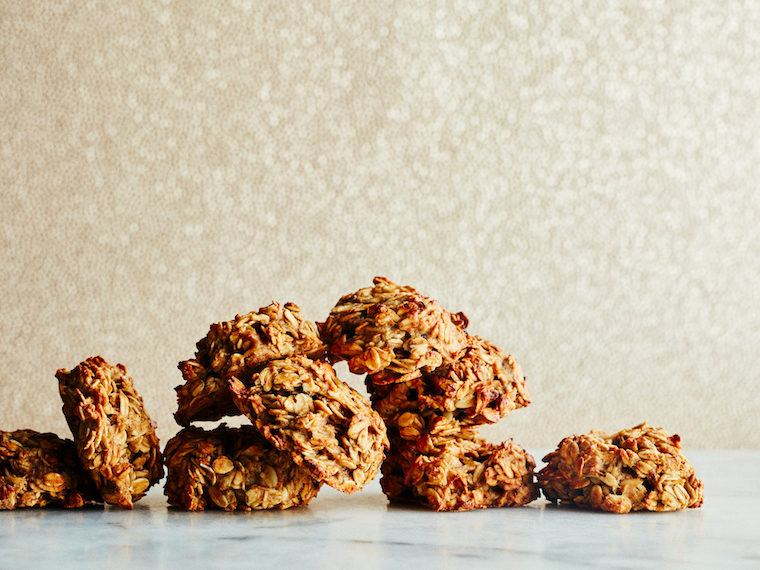These gluten-free oatmeal banana cookies double as a gym-bag friendly breakfast