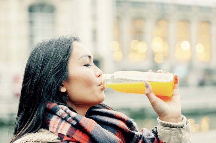 This is what happens to your gut when you go on a juice cleanse
