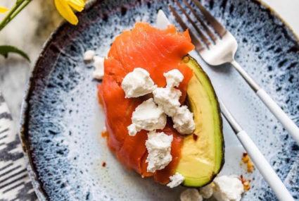 14 wellness pros share the healthy breakfasts they eat every morning