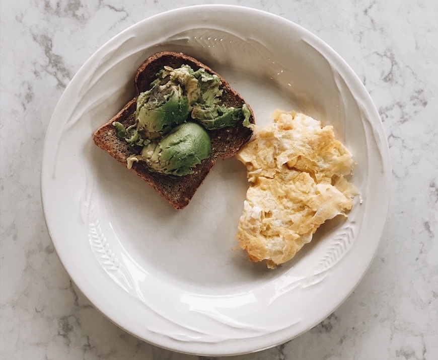 Thumbnail for 14 wellness pros share the healthy breakfasts they eat every morning