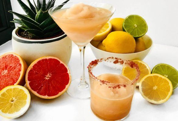 This low-sugar grapefruit margarita is the perfect make-ahead drink for your Oscars party
