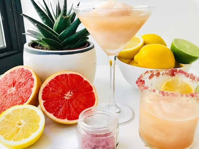 low-sugar grapefruit margarita