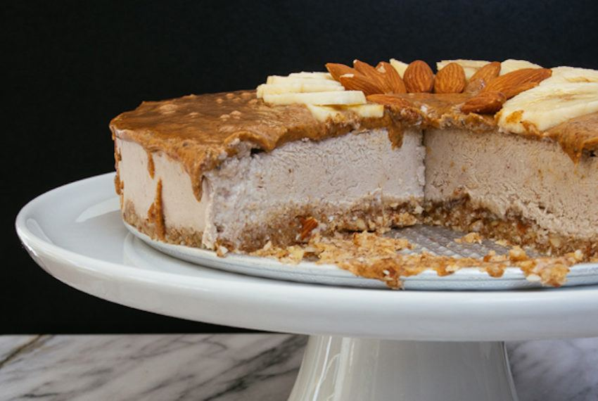 This Almond Butter Banana Cashew Cheesecake Recipe Is Paleo Approved