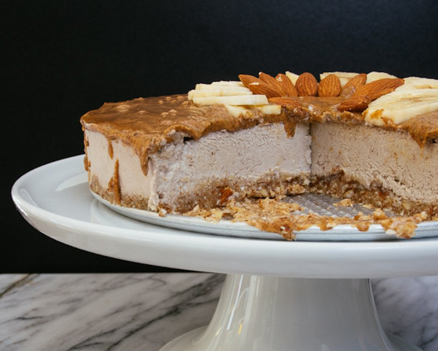 Thumbnail for This Almond Butter Banana Cashew Cheesecake Recipe Is Paleo Approved