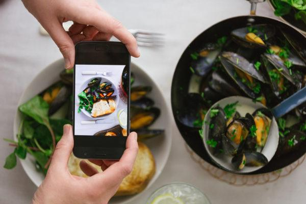 Could a smartphone app soon identify dangerous food bacteria?