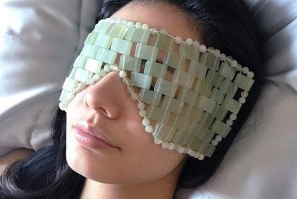 This jade eye mask is the fanciest way to de-puff your eye bags