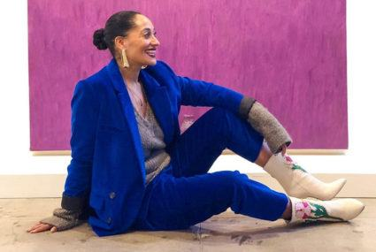 """Tracee Ellis Ross does this modified """"fire hydrant"""" move to work out her glutes"""
