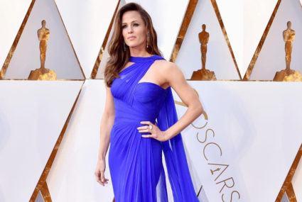 Jennifer Garner's pre-Oscars workout involved an upbeat dance-cardio mix