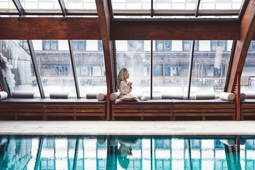 Thumbnail for 7 Top Destination Marathons and the Luxe Massage You'll Want to Book to Help You Bliss Out After Each
