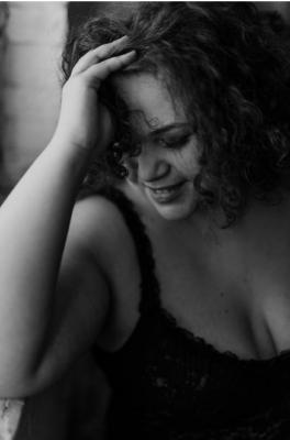 Body positive boudoir shoot