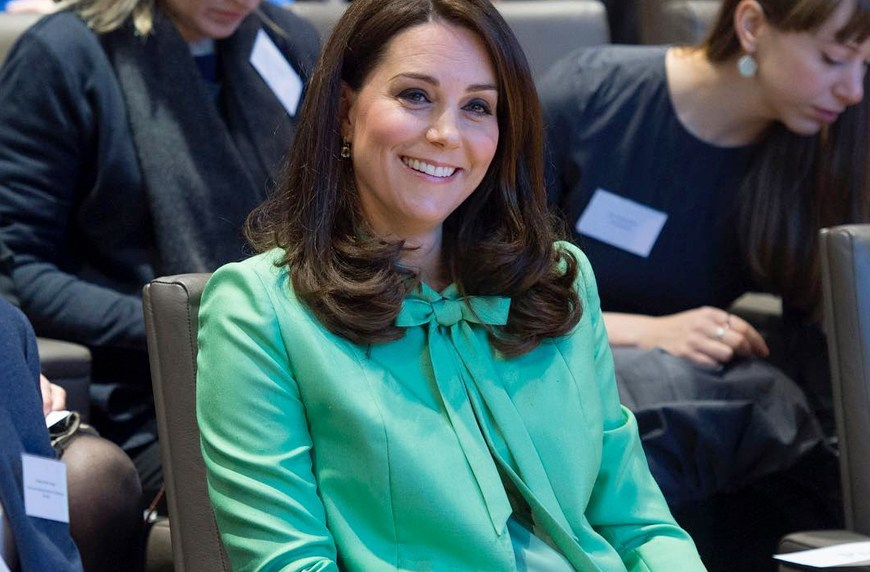 Thumbnail for Everywoman Kate Middleton just filled her reusable bag with *this* sale item on a grocery run