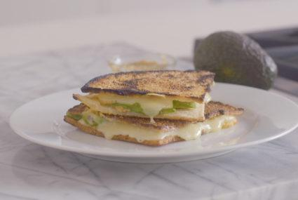 This cauliflower crust grilled cheese is next-level comfort food