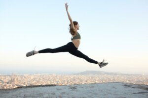 4 ballet moves that can help improve every type of workout
