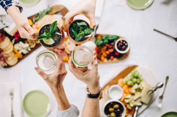 How to *not* get wasted at happy hour when you're on a keto-style diet
