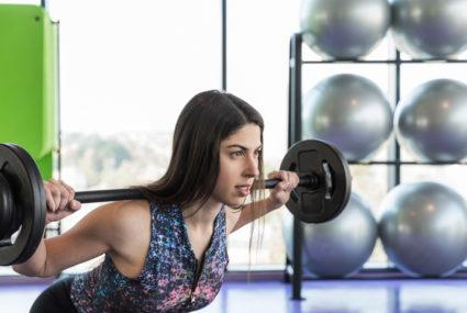 Need a reason to lift weights? Pumping iron might cut early-death risk by nearly half