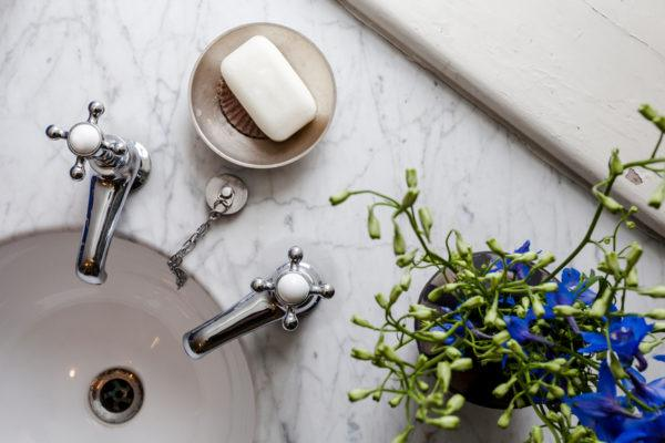PSA: Bathroom hand dryers are actually blowing around gross bacteria