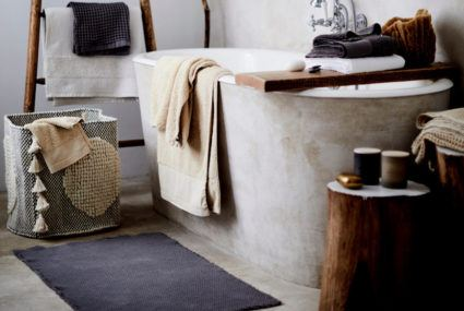 How to keep your bath mat *really* clean