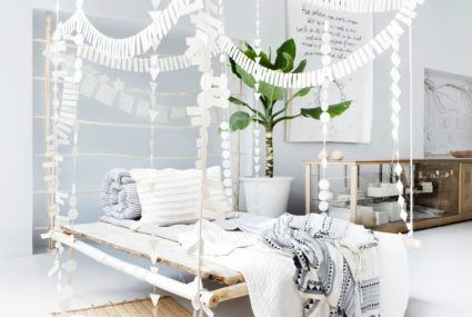 Dreamy hanging daybeds are trending on Pinterest