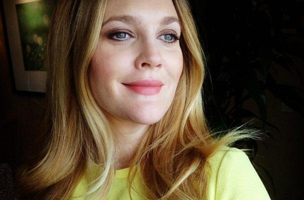 Drew Barrymore uses a surprising product to get damage-free beachy waves