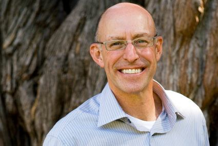 What health craze is food guru Michael Pollan into these days? Psychedelic drugs (seriously)
