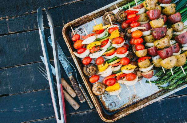 5 keto-friendly cookout staples to stock up on for Memorial Day Weekend