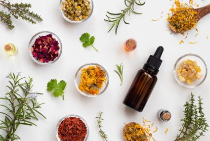 These two essential oils will help fight off summer foot odor