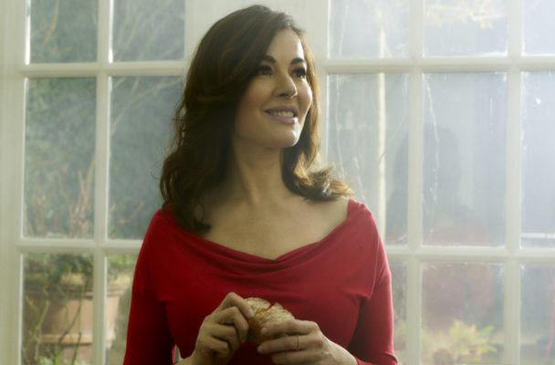 How Nigella Lawson hosts a no-fuss dinner party