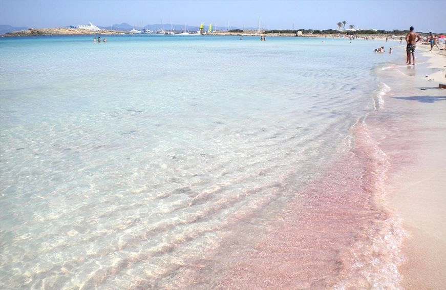 pink beach locations