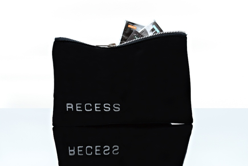 Recess beauty bag