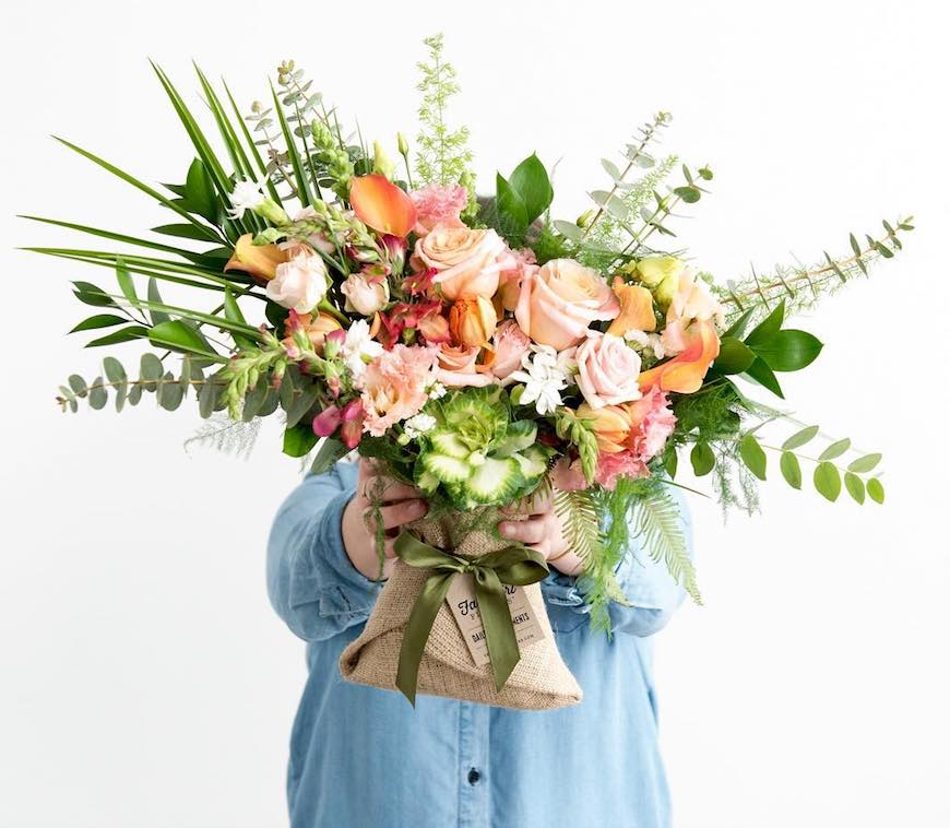 how to create a summer bouquet at home