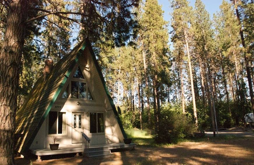 Thumbnail for These are the 6 most popular national parks this summer—and dreamy Airbnbs near them