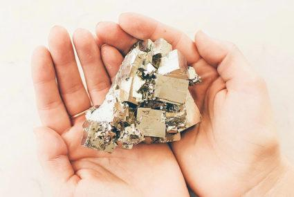 Are you all about abundance (AKA $$$)? These 5 crystals can help