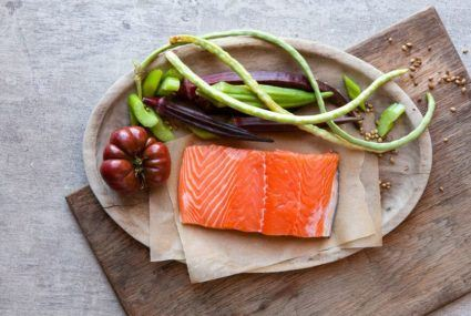 Farmed salmon vs. wild