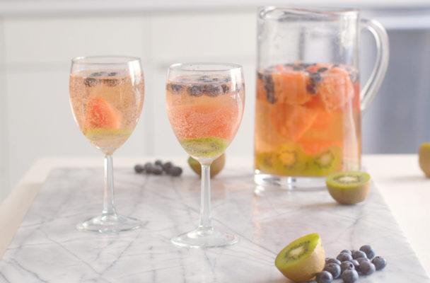 The low-sugar twist on sangria you have to try