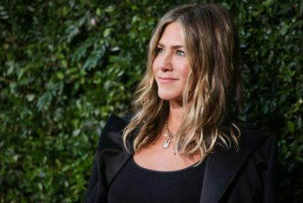 Jennifer Aniston's hack for turning any lipstick into a kiss-proof stain