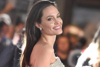 Here's exactly how to get Angelina Jolie hair