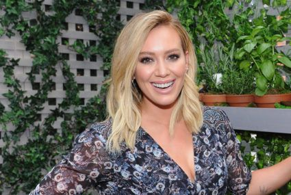 Hilary Duff swears by these 2 natural oils for treating stretch marks during pregnancy
