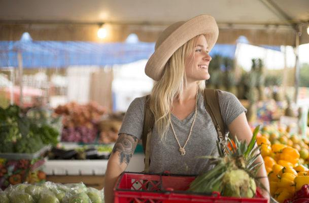 A dietitian shares her secrets to getting the best produce at the farmers' market