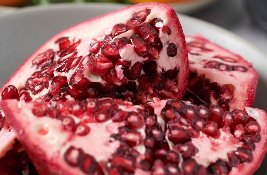 Thumbnail for This Redditor's pomegranate-cutting hack is totally mesmerizing