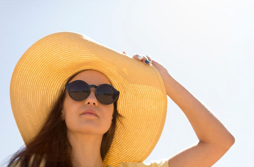 Thumbnail for Here's *exactly* how much sunscreen you should use on your face