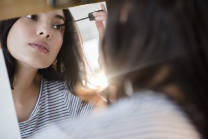 A makeup artist reveals the time-saving trick to doing your lashes and eyeliner at the same time