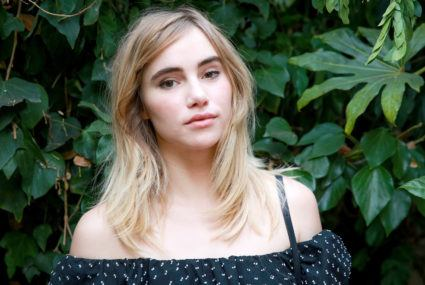 Suki Waterhouse uses this bank-account-friendly pantry item as an exfoliator