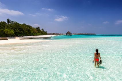 Bookworm dream-job alert: Selling titles to tourists in the Maldives