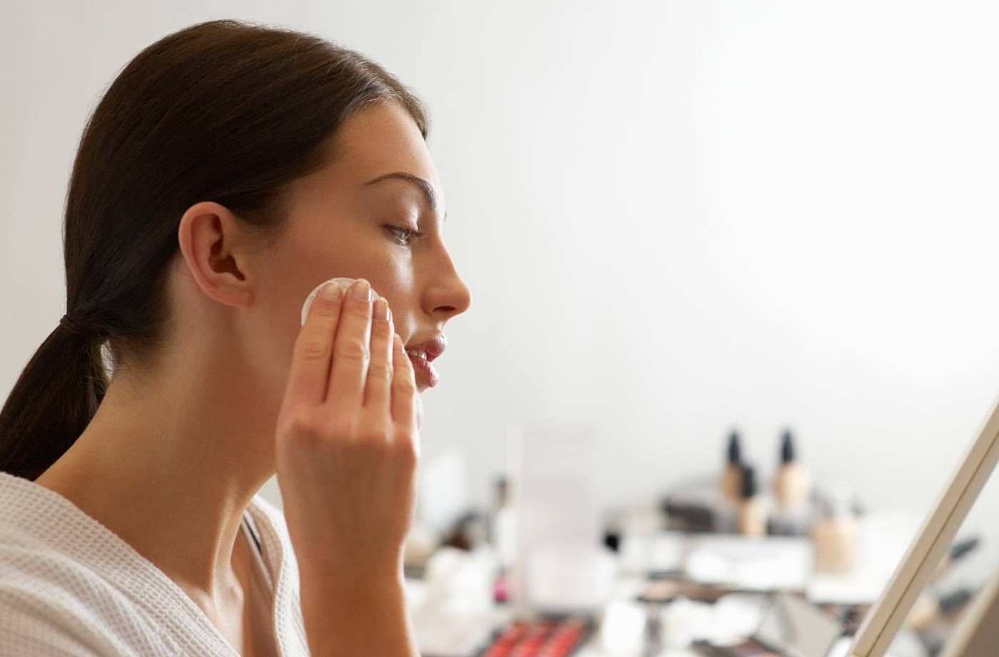 how to wash face for sensitive skin